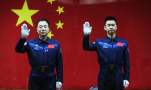 two-chinese-astronauts